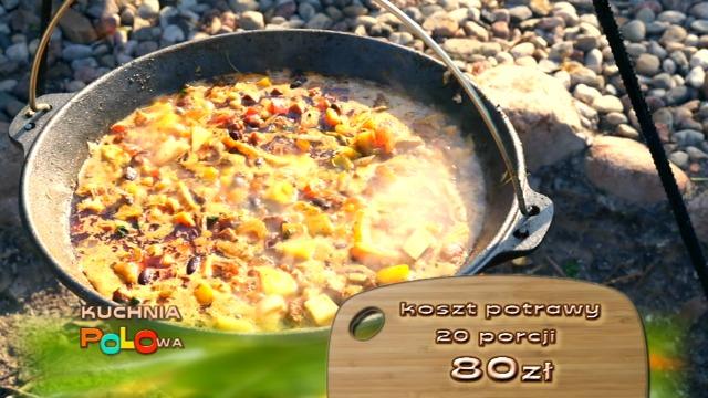 Kuchnia Polowa  Jeleń gotuje z mięsa i warzyw przeczytaj