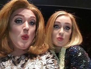 Adele ze swoim sobowtórem drag queen. Która wygląda lepiej?