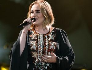 Adele na weselu fanów! 'Nie martwcie się, zrobię to za darmo'