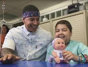Daddy Yankee śpiewa Despacito z chorą dziewczynką [VIDEO]