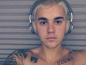 Justin Bieber śpiewa piosenkę Taylor Swift. Jak sobie poradził?